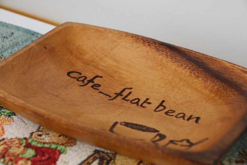 Cafe-flat beanネーム入りのキャッシュトレー
