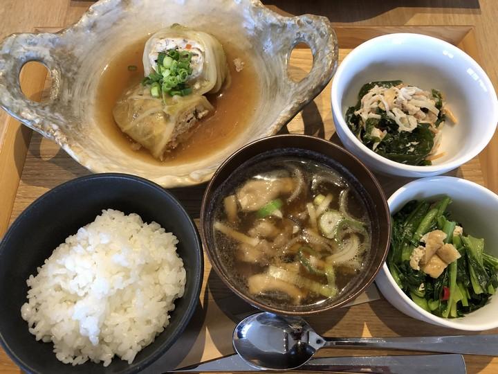 新潟県立大学×農園のカフェ厨房トネリコ あったか旬の野菜定食(950円)