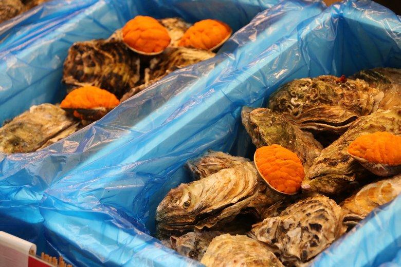 新潟イベントフード協同組合のウニ牡蠣