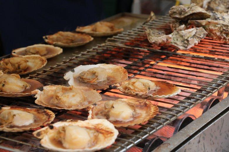万代島鮮魚センターのホタテ焼き