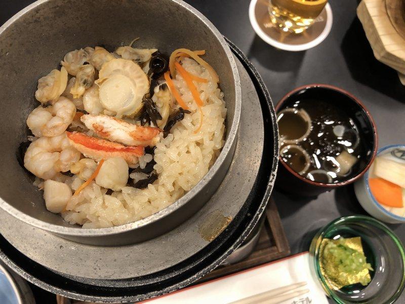海の五目釜飯と味噌汁・香の物
