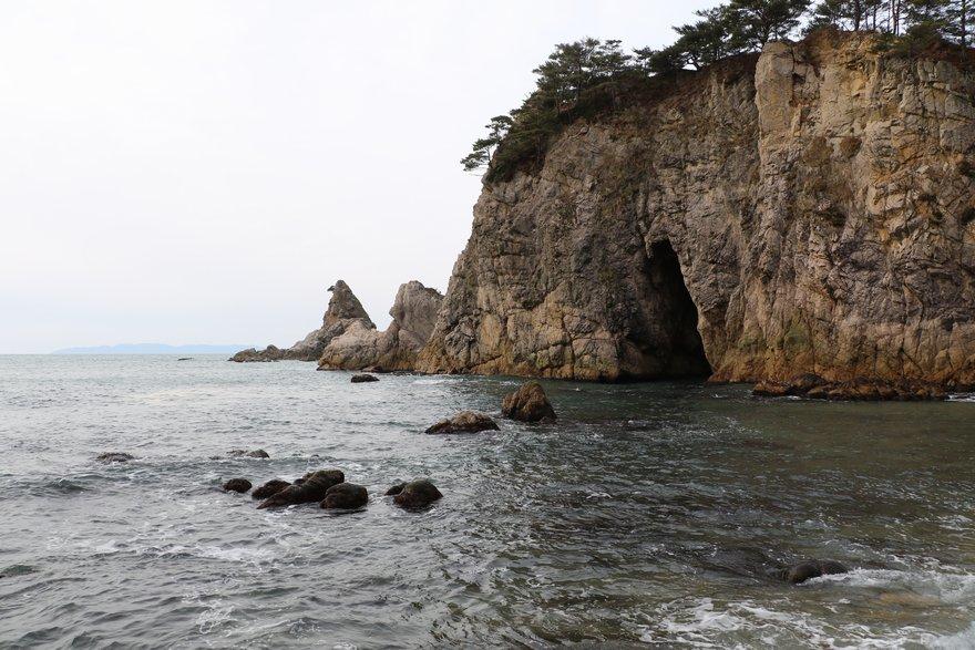 笹川流れ眼鏡岩