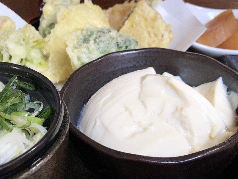 ふかぐら豆腐と野菜天ぷら