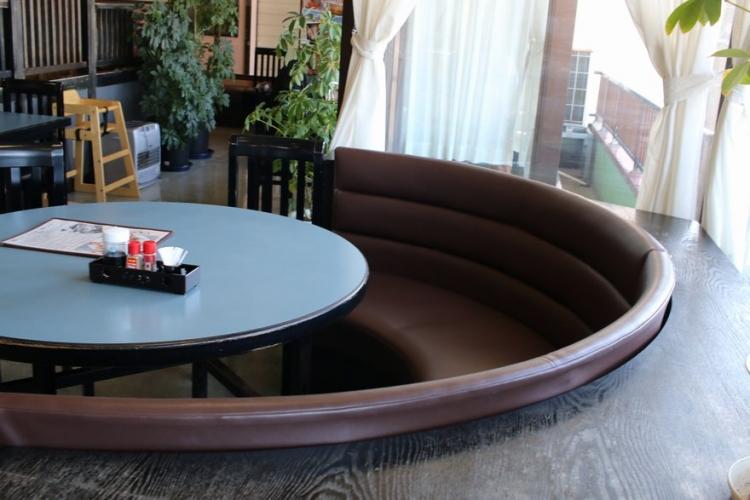 汐の華 テーブル席