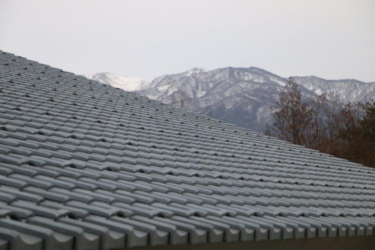 瓦テラスの安田瓦屋根