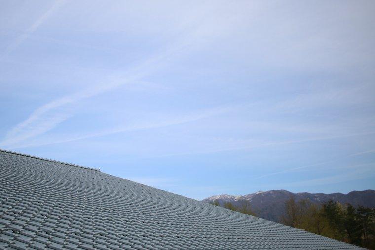瓦テラスの瓦屋根