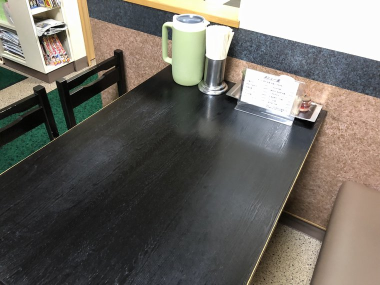 龍華亭テーブル