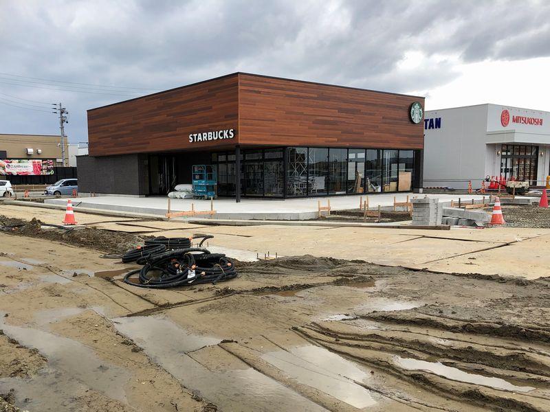 建設中のスタバ長岡七日町店