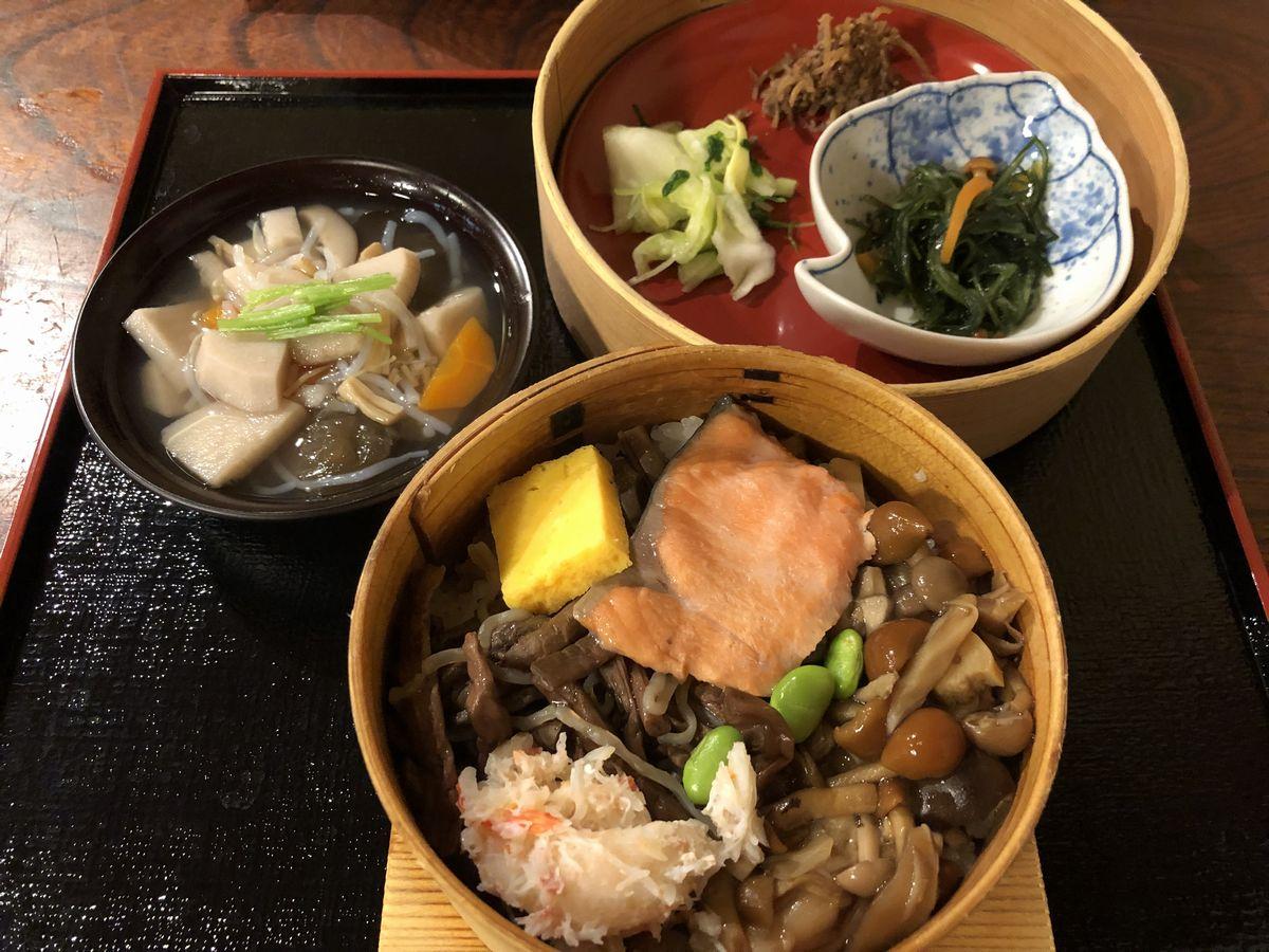 元祖輪箱飯 会津料理・割烹 田季野の五種輪箱飯