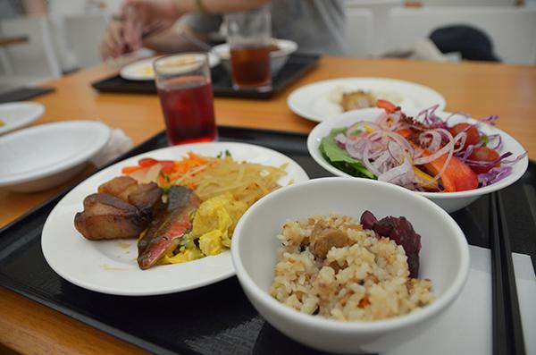 沖縄料理ブッフェ
