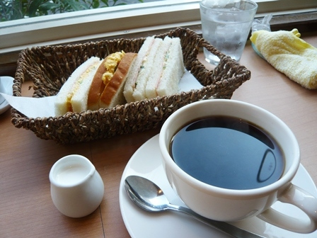 マツリカフェ:ブレンドコーヒー・モーニングサービスC2