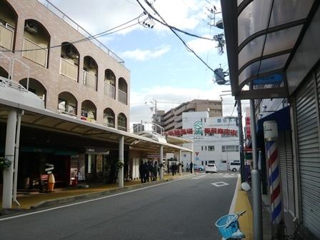 中京競馬場駅前商店街1