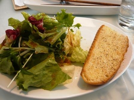eric-life (=cafe) :ランチ・サラダ、ガーリックフランス1