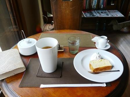 絲音:アイスティー(オレンジペコ)、本日のパウンドケーキ(甘夏)1