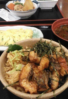 めしや食堂:まぶし、玉子焼き、味噌汁2