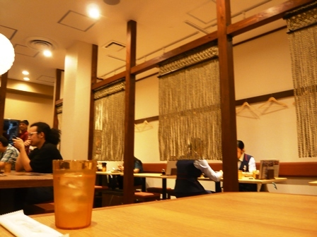 牛たん 東山:店内1