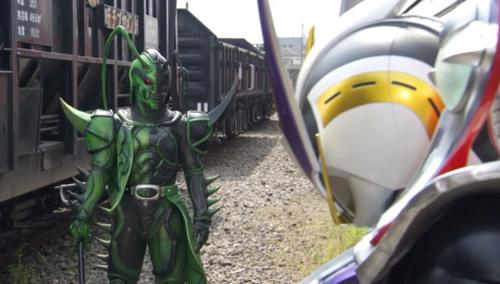 仮面ライダー電王(リュウタロス)がフルボッコにやられて敗北