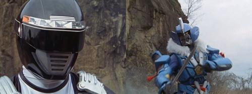 戦隊ヒーロー、ボウケンブラックが敵の分身の術にやられてスーツが破壊される