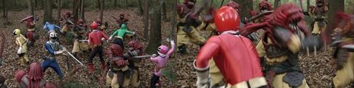 戦隊ヒーロー、シンケンレッドが体を燃やし尽くされるやられ
