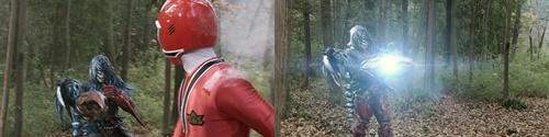 戦隊ヒーロー、シンケンレッドが「鬼火玉」にやられる
