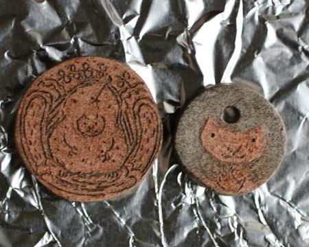 ヤコのオーブン陶土描き落としヘアゴム用ニス前