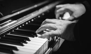 ピアニスト01