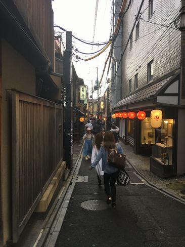 先斗町入り口付近(四条通り側)_H30.06.15撮影