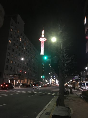 ライトアップされた京都タワー_H31.02.07撮影