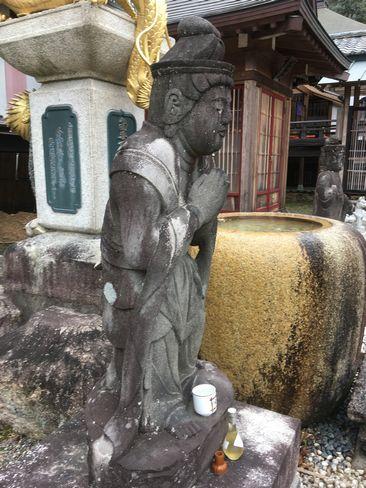 本圀寺・勢至菩薩像横から_H31.02.09撮影