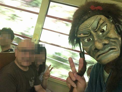 鬼と記念写真_R01.07.14撮影