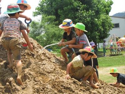 令和元年つき泥んこ遊びIMG_8239