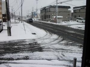 181123窓の外は雪