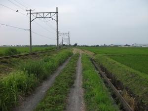 190711線路沿いの道