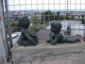 190822銅像2人
