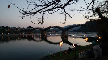 181110 錦帯橋で合唱2