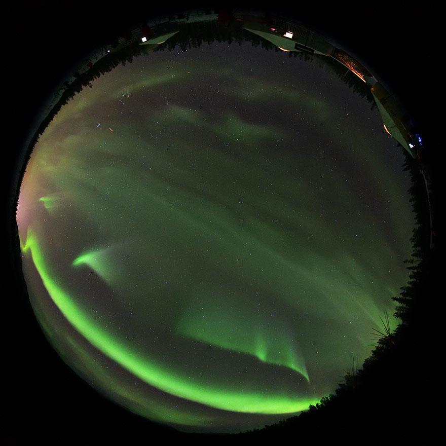 aurora_190201_wh_d850_8mm_f35_5s_iso3200_9031_880.jpg