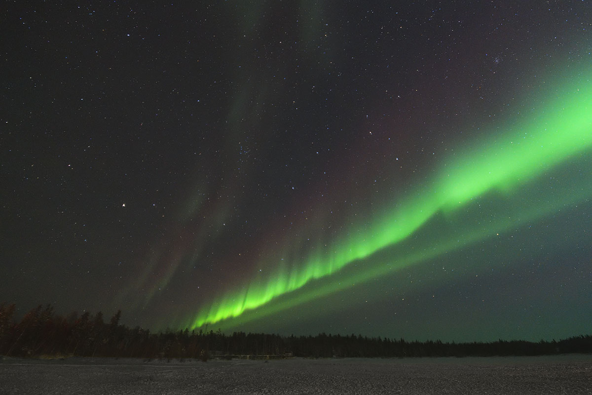 aurora_190205_yn_d850_14mm_f18_3s_iso3200_9311_1200.jpg