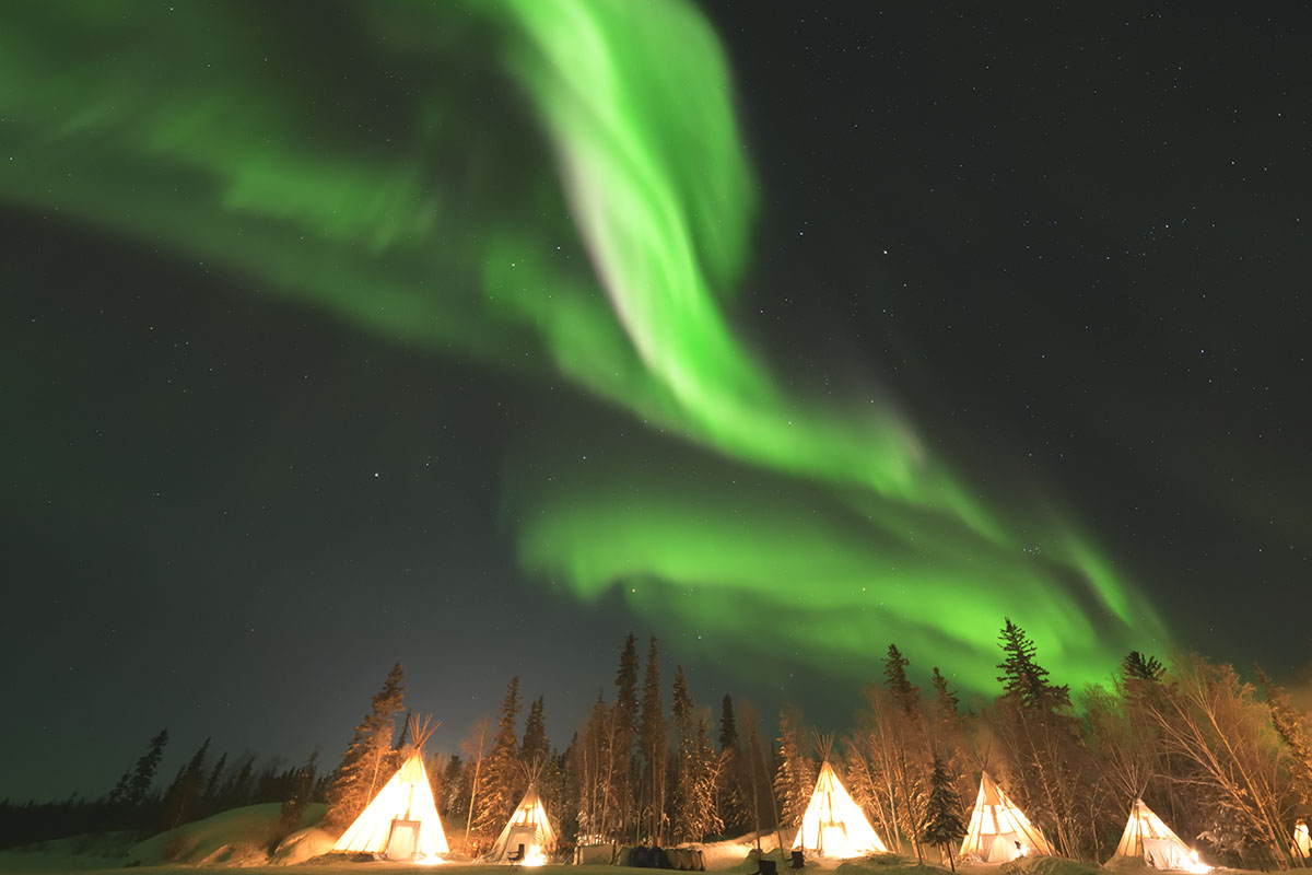 aurora_190205_yn_d850_14mm_f18_3s_iso3200_9355_1200.jpg