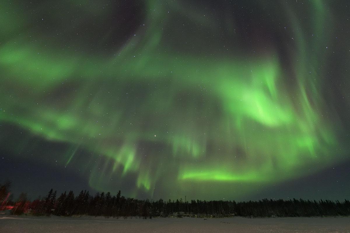 aurora_190205_yn_d850_14mm_f18_3s_iso3200_9463_1200.jpg