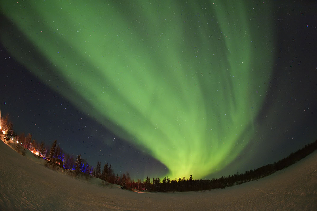 aurora_190206_yn_d810a_15mm_f28_5s_iso3200_3195_1200.jpg