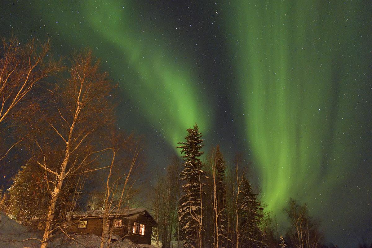 aurora_190206_yn_d810a_24mm_f28_4s_iso3200_3013_1200.jpg