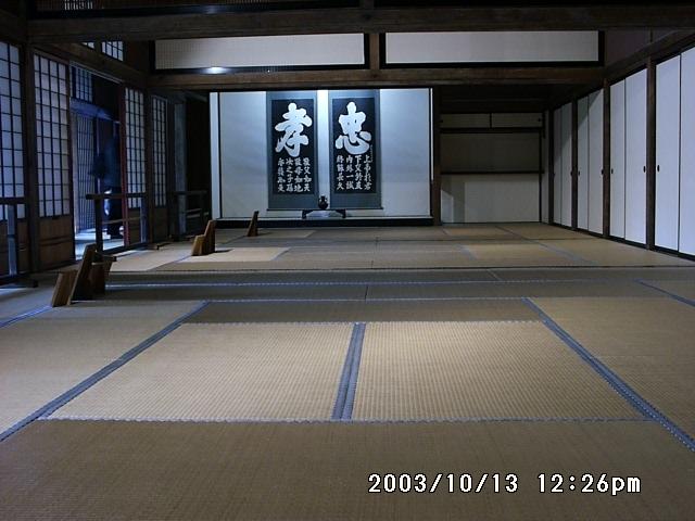 200310130044.jpg