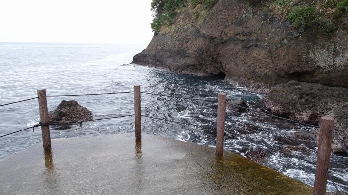潮吹き岩 (11)