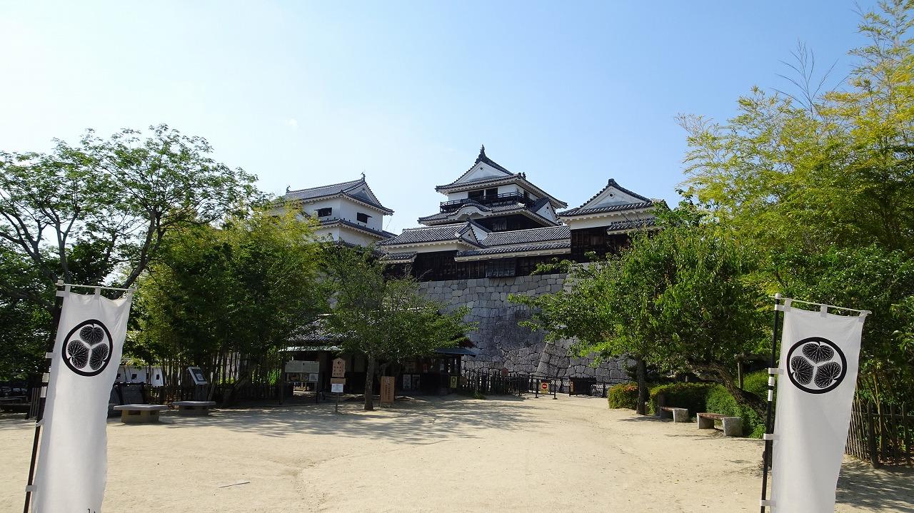 松山城と道後温泉本館 (2019年5月)