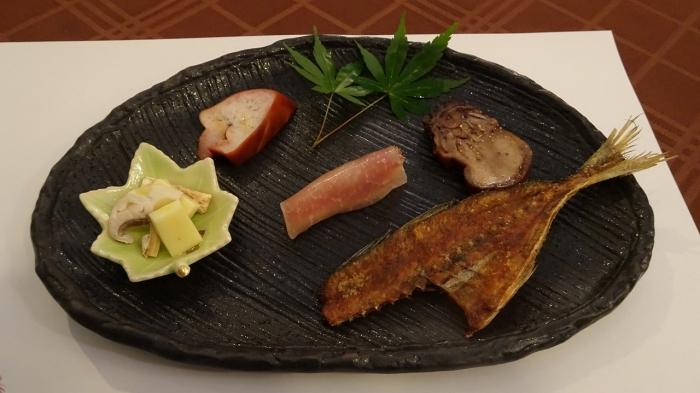 森のしずく食事 (2)