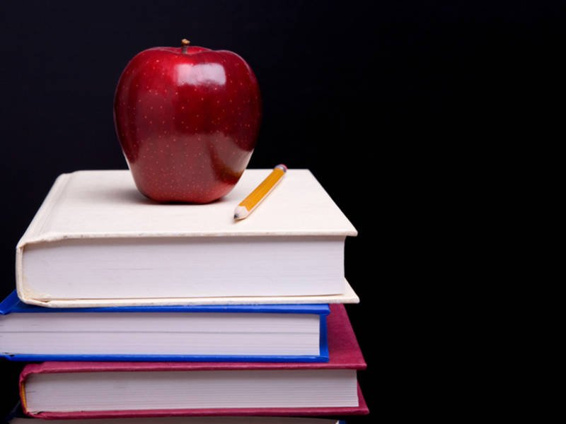 school_books_apple_shutterstock_1117101056-1552598044-7171.jpg