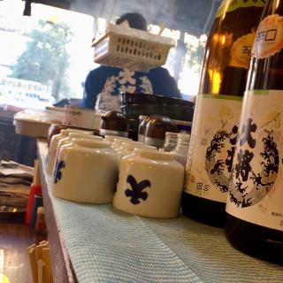 高円寺にある焼き鳥の老舗大衆酒場「大将」さんの店内