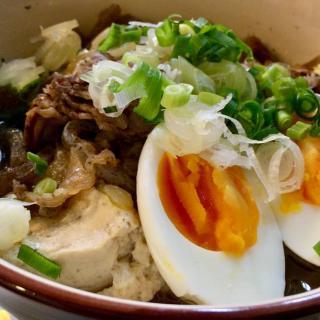 高円寺やきとり大衆酒場「大将」さんで王道・肉豆腐を注文