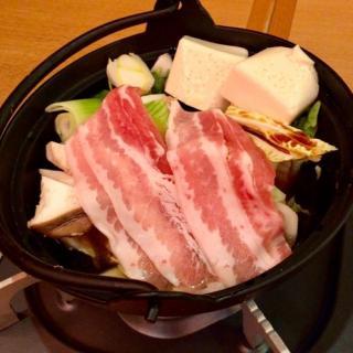 目利きの銀次メニュー「最強‼︎ 雲丹で食べる牛と豚のすき焼鍋」